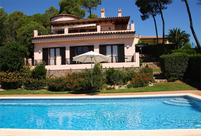 L'Estartit Villa Holiday For Families and Groups