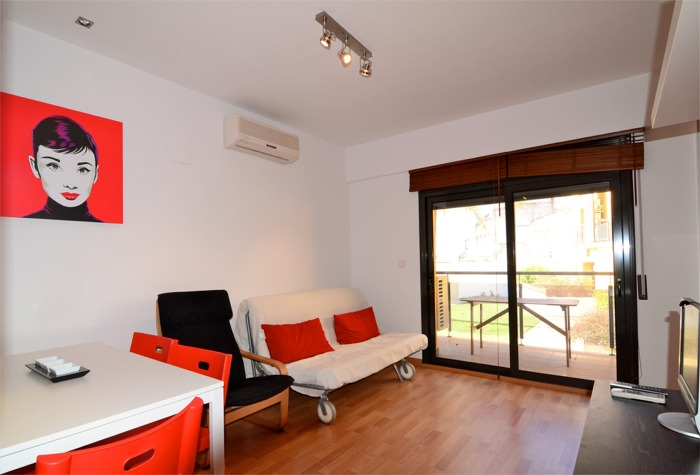1 Bedroom Pinimar Lounge