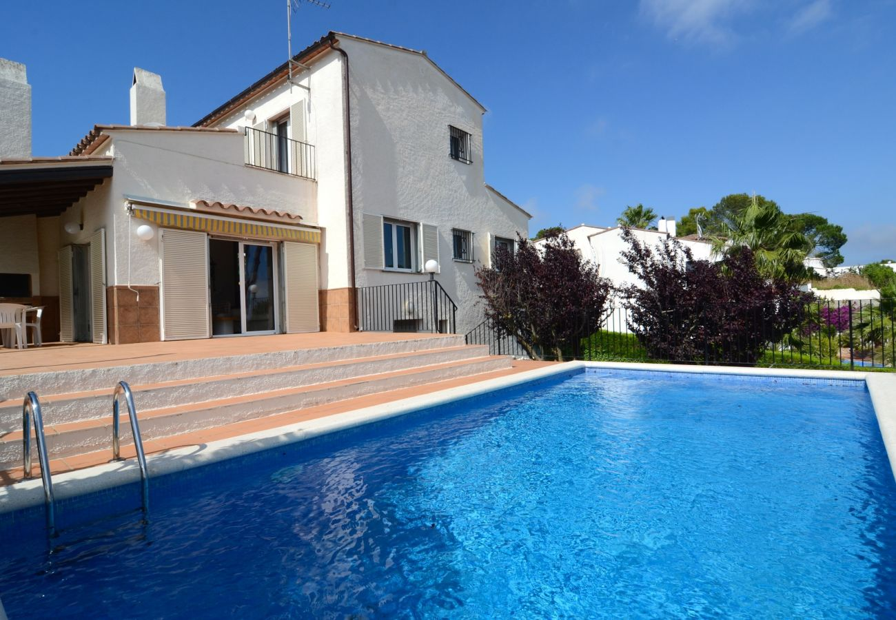 Large Vacation Villa in Torre Vella