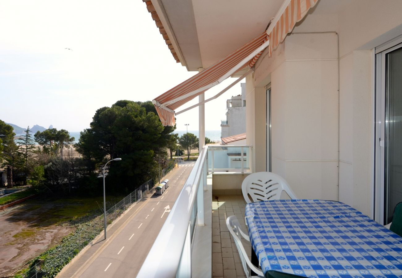 Sea View Apartment in Brises del Mar